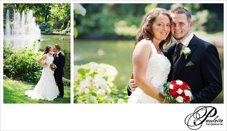 Brautpaar küsst sich am Teich und lässt Paulette Fotografin ein schönes Portrait von sich machen.